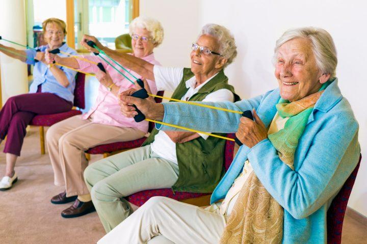 Senioren bei der Ergotherapie