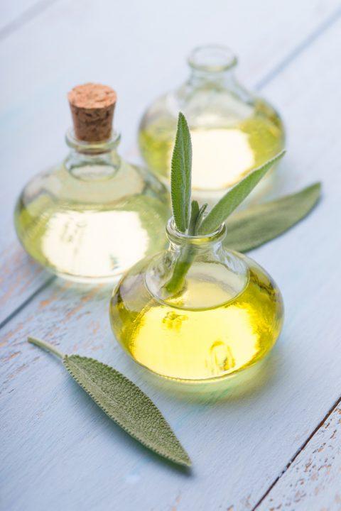 Massageöl in Glasflasche